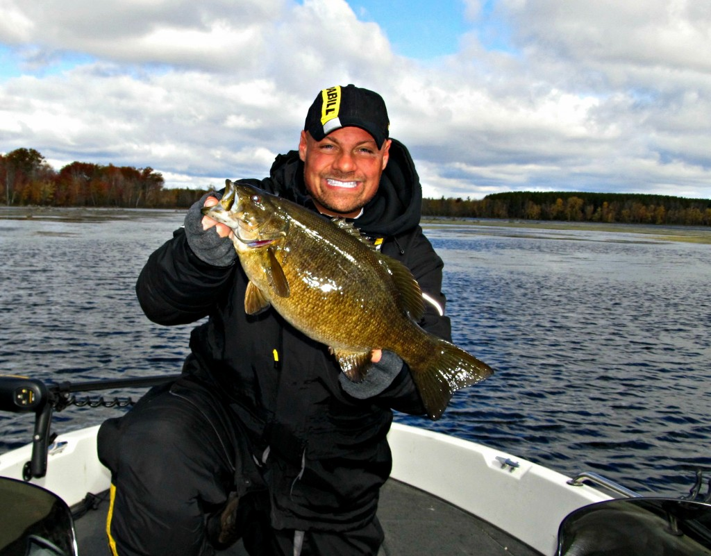 world record smallmouth bass pictures