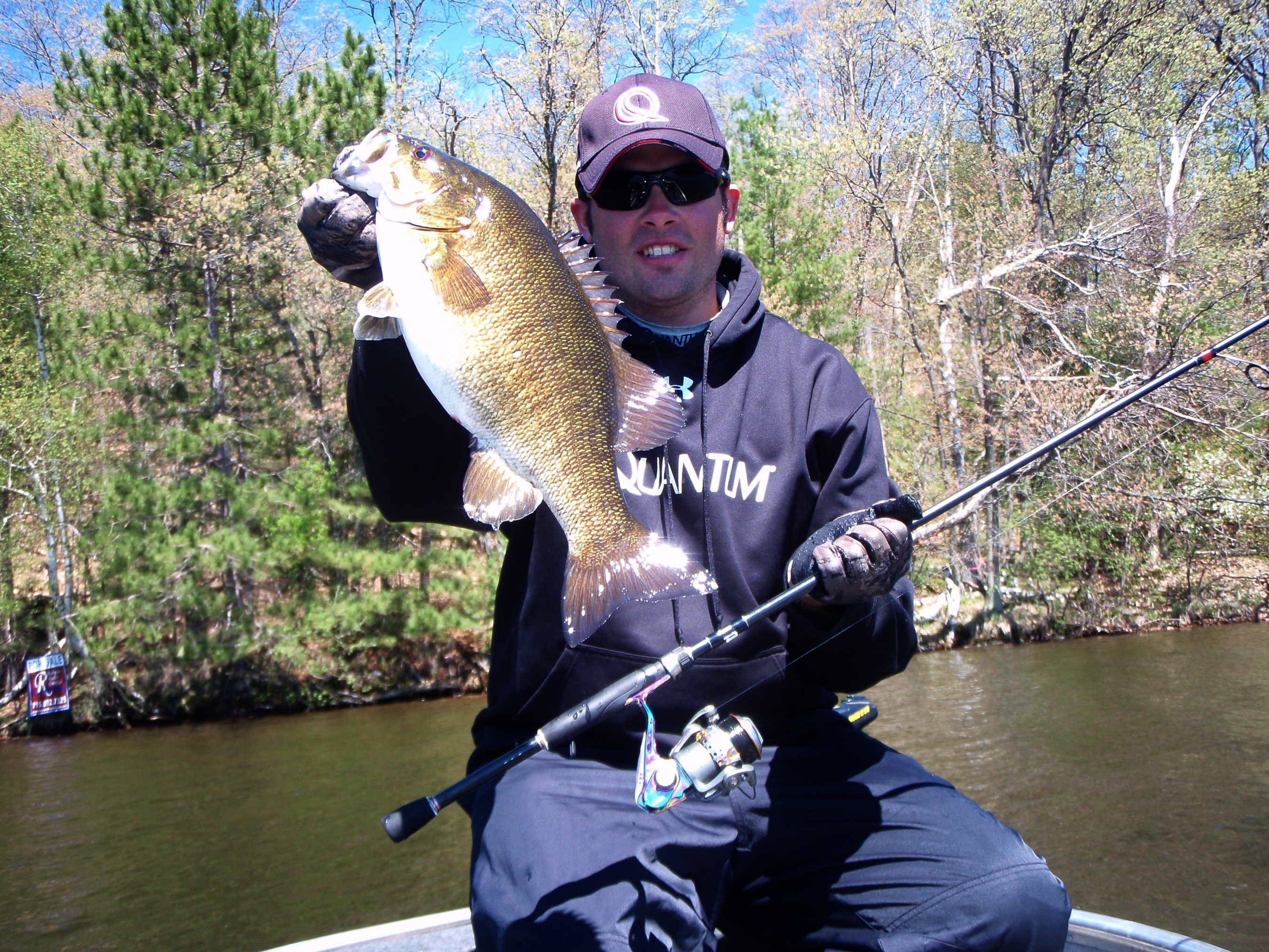 Fishing spring meteorology and for Bass fishing jerkbaits